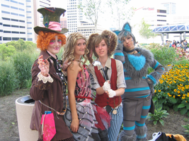 alice in wonderland cosplayers by omgshira