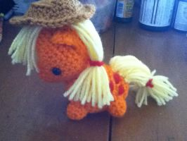 Applejack amigurumi by ChronicReverie