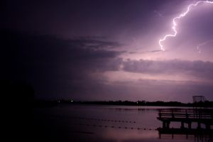 lightning by NiCooLe