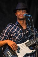 FIMU - Guitarist with hat by MichaWha