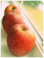 Them Apples by kezzoXrawks
