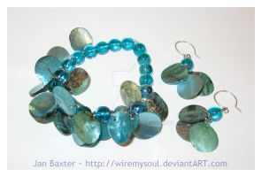 Glass and Shell Hot Cha Cha by WireMySoul
