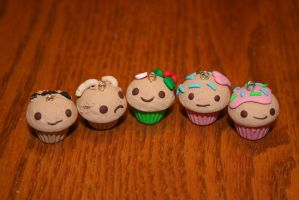 Polymer Clay Cupcakes! by PiinkKittyy