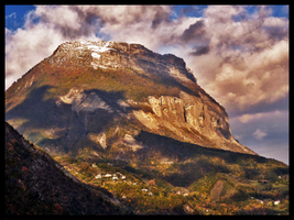 Lovely Mountain II by doudcolossus