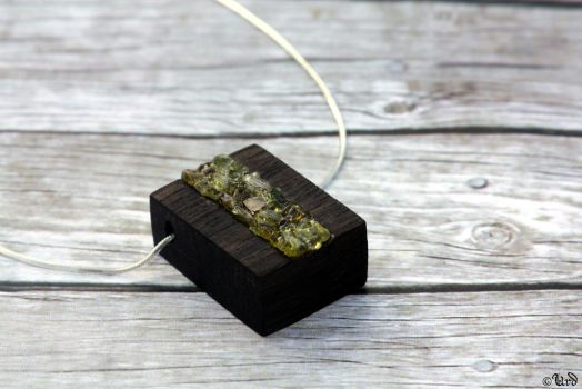 Bog oak and peridot sterling silver necklace by UrdHandicrafts