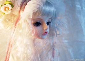 .White Lady. by ball-jointed-Alice