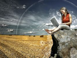 Laptop girl by megl