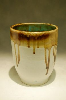 white and amber pot by TeardropGalaxy