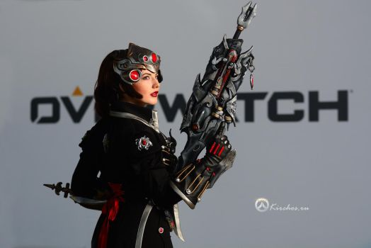 MoscowComicCon 2017 - Overwatch Widowmaker by Kirchos