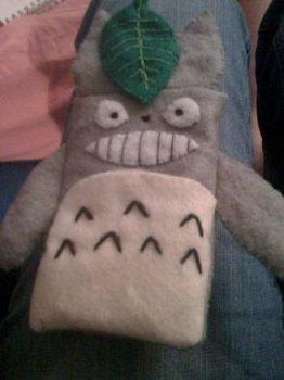 Totoro iPhone 3G Case by shenanigancrafts
