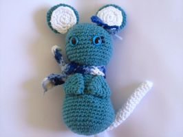 Winter Mouse Amigurumi by Chromodoris