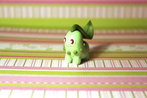 Desk buddy Chikorita by KiwiPheonix