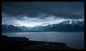 Lac Leman by nightfall by hansvaudois