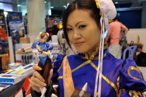 Chun Li and her doll- wai wha by jnalye