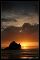 Piha Sunset - 5 by Ildefonse