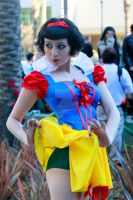 WonderCon 2013 Snow White Naughty 01 by lianthus