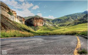 Golden Gate Highland with road low down by cnrd