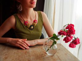 Summer necklace from zippers by nastq
