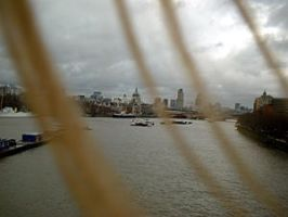 hair and the thames by Secretlondon