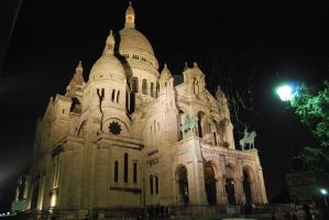 The Basilica of the Sacred Heart of Paris by dysio