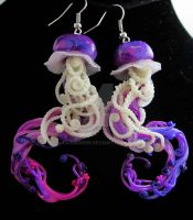 purple sparkle jellyfish earrings by carmendee