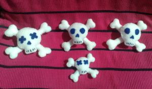 Felt Skull n Crossbones Dolls by peppermint-ambi