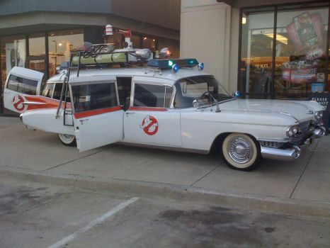 I saw Ecto-1 by MrLively