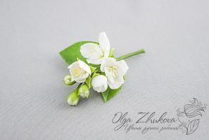 brooch with jasmine flowers by polyflowers