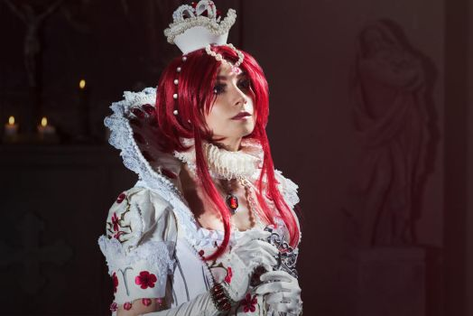 TRINITY BLOOD: The young queen by MiraMarta