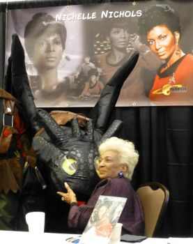 Nichelle Nichols and Toothless at the BCTC 2016 by SilverDragonwolf