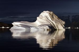 Iceberg in sunlight by stefanmy
