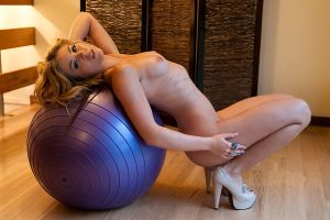 purple ball by andre-j