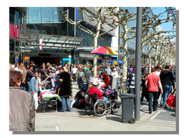 Crowded at the Zeil by WillFactorMedia
