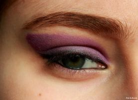 Violet make-up. by EamyCross