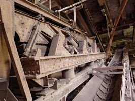 Conveyor by Risen-From-The-Ruins