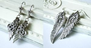 Feather Earrings by DesireeMorte