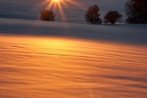 Reflection of a cold sunset by JoInnovate