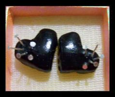Voodoo black heart earrings by AnaInTheStars