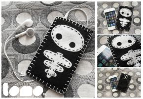 TOMO SKELLY - iPhone iPod Case by TomodachiIsland