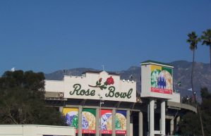 Rose Bowl by Lendak