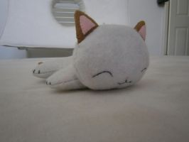 Sleeping Kitten plushie by LasManiaticas