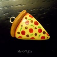 Pizza Charm by Me-O-Tojite