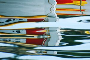 Boat reflections 1 - Cassis by wildplaces