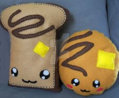 Toast and Pancake Plushie by moonphiredesign
