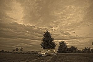 Cloudy Horizon by lokkydesigns
