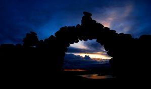 Sunset through an Arch by fotomachine