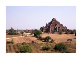temples of Old Bagan by lightdrafter