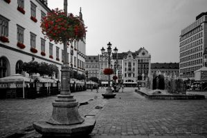 Market Square by WorldsInWorld