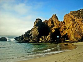 A Beach Along Big Sur by yalanrei