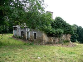 Abandoned house in Ousse 1 by Aude-la-randonneuse